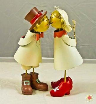 Küssendes Brautpaar, Hochzeitsdekoration