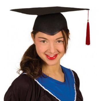 Absolventenhut schwarz mit roter Quaste