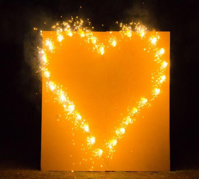 Brennendes Herz zur Hochzeit Lichterbild Feuerwerk Feuerbild Feuerbilder